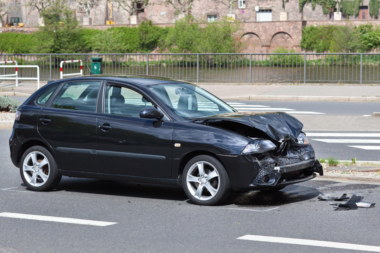Autoverzekering WA-Casco-All-Risks verzekert ook schade door een botsing of een aanrijding - Depremievergelijker.nl